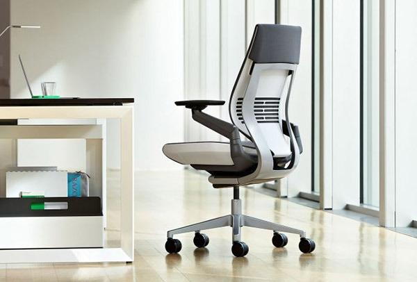 Sedia operativa per ufficio